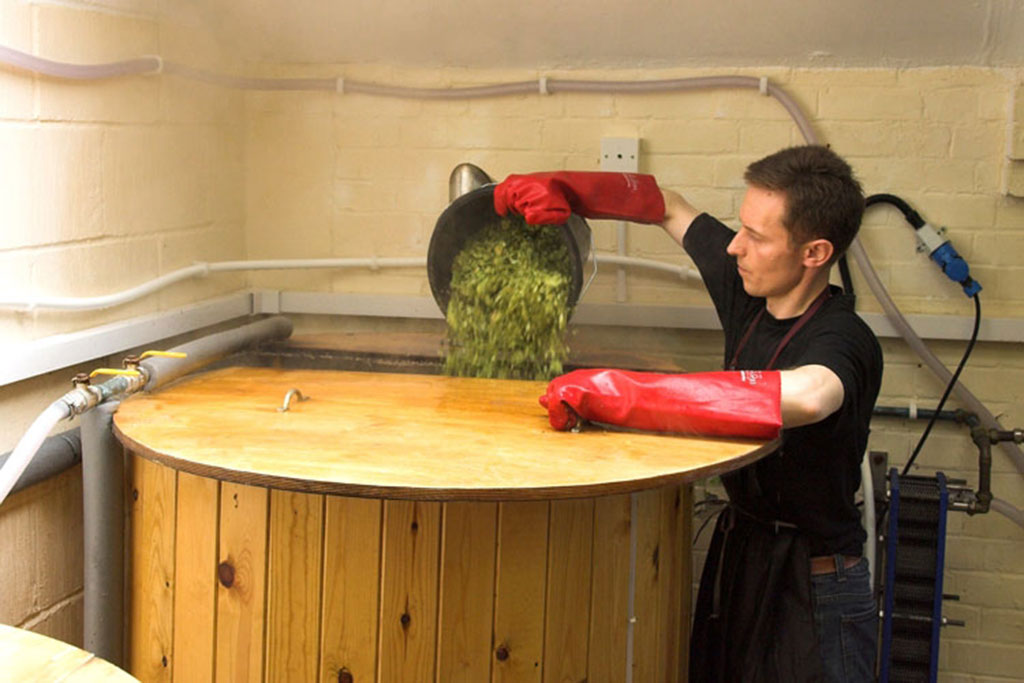 Ascot Ales adding hops during the boil